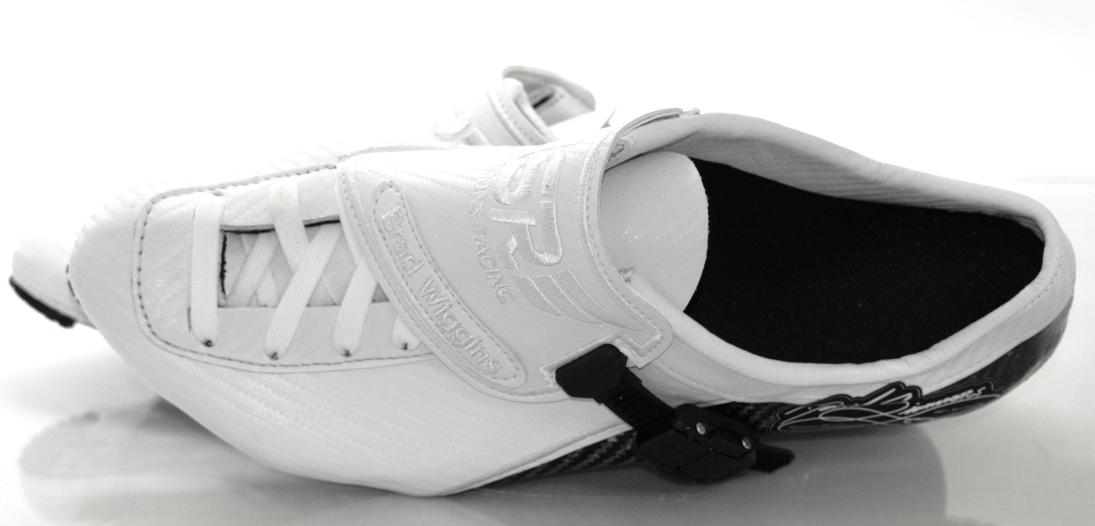 brad-wiggins-white